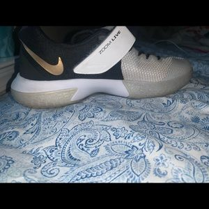 Nike Zoom Live 1 volleyball shoes
